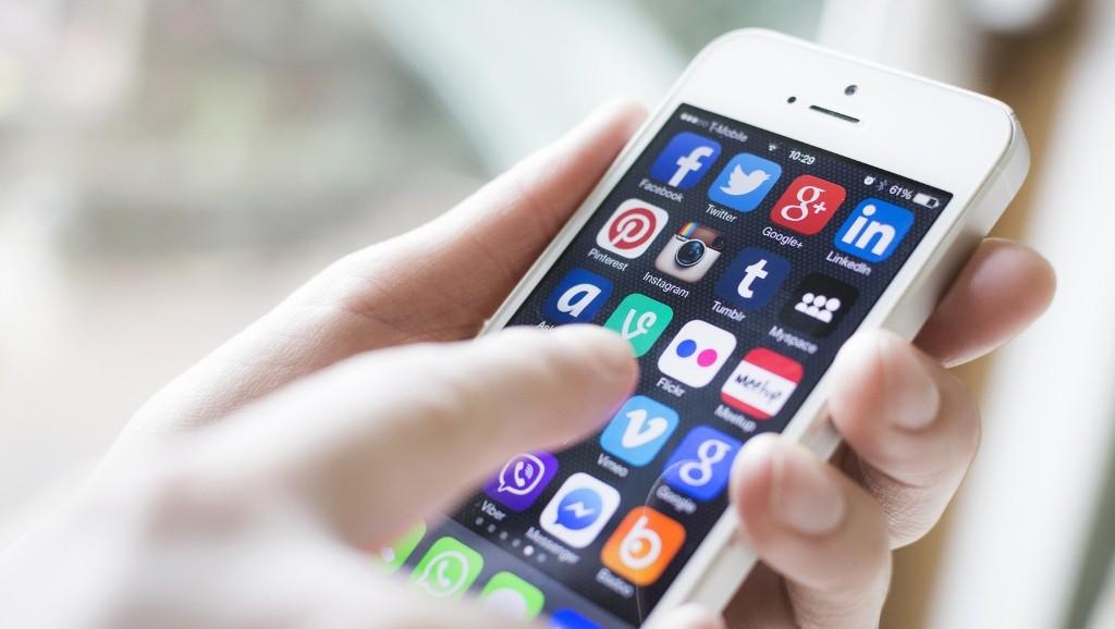 Comunicare con i social media
